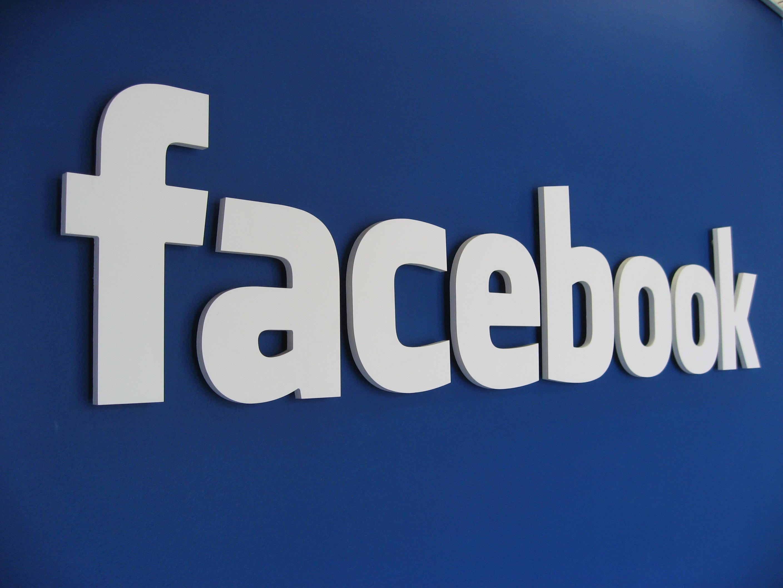 Автоматически зарегистрированные и наполненные аккаунты Facebook